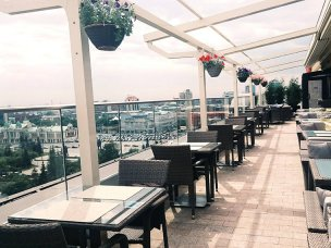Bar & Terrace 10Ten